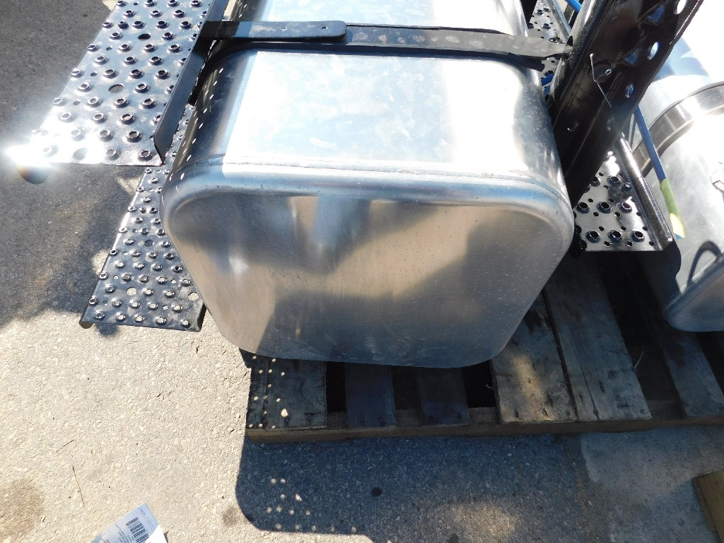 Fuel Tank for 2005 FREIGHTLINER M2-106 for sale-59083662