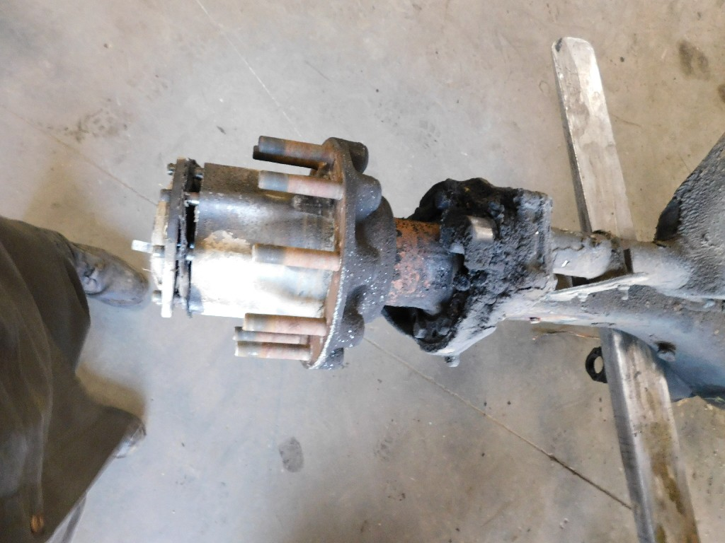 Used Axle Housing for 2001 FREIGHTLINER FLD120T CLASSIC for sale-58710431