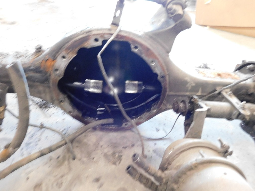 Used Axle Housing for 2001 FREIGHTLINER FLD120T CLASSIC for sale-59217478