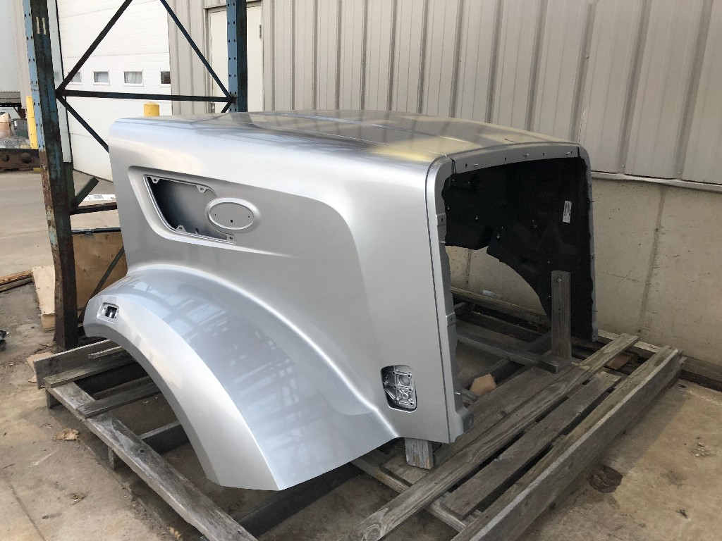 Used Hood for 2015 PETERBILT 567 for sale-59084067