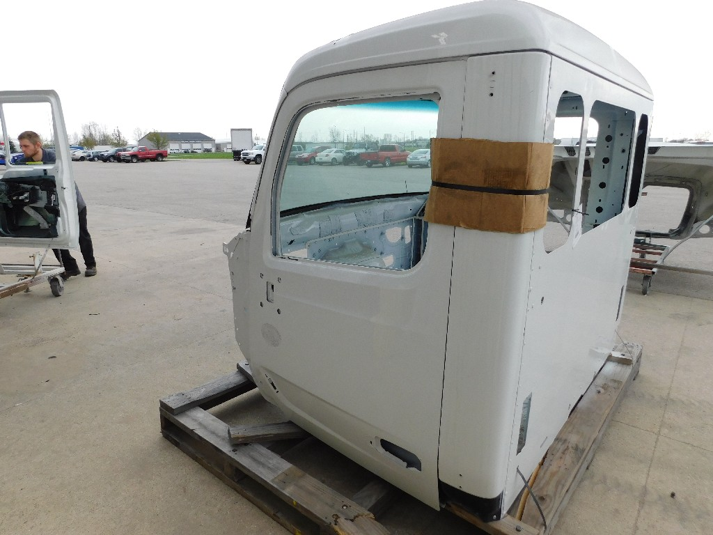 Used Cab for 2018 PETERBILT 567 for sale-59335373