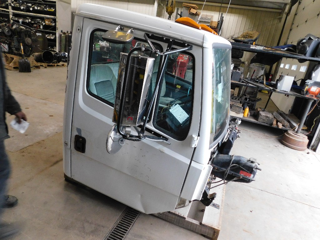 Used Cab for 1994 FREIGHTLINER FL106 for sale-59335679