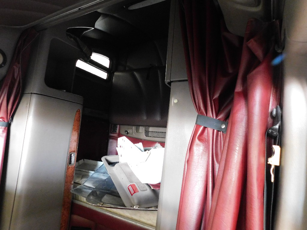Used Cab for 2008 PETERBILT 387 for sale-59335456