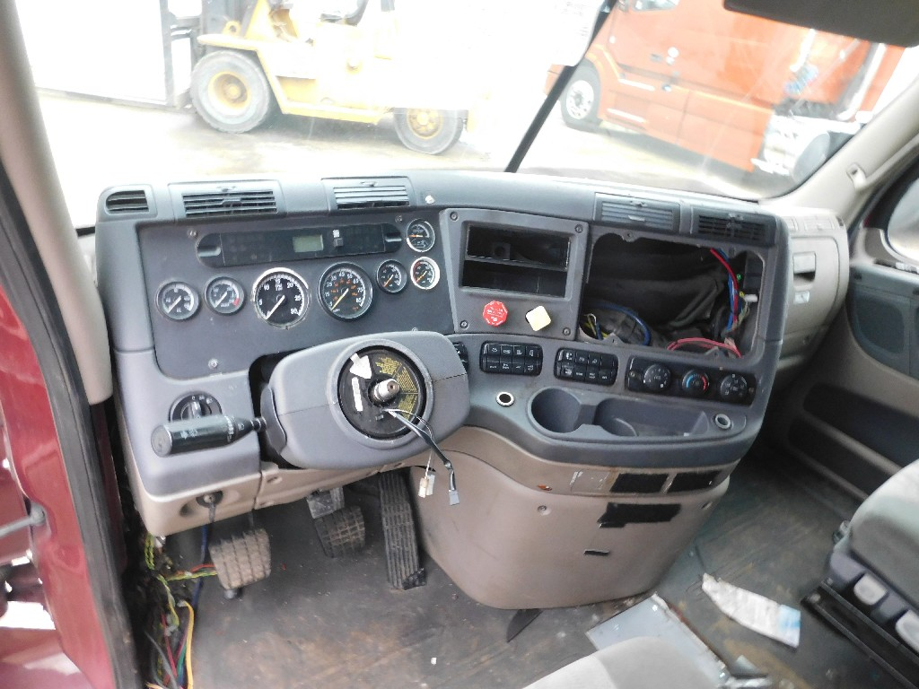 Used Cab for 2014 FREIGHTLINER CASCADIA for sale-59335786