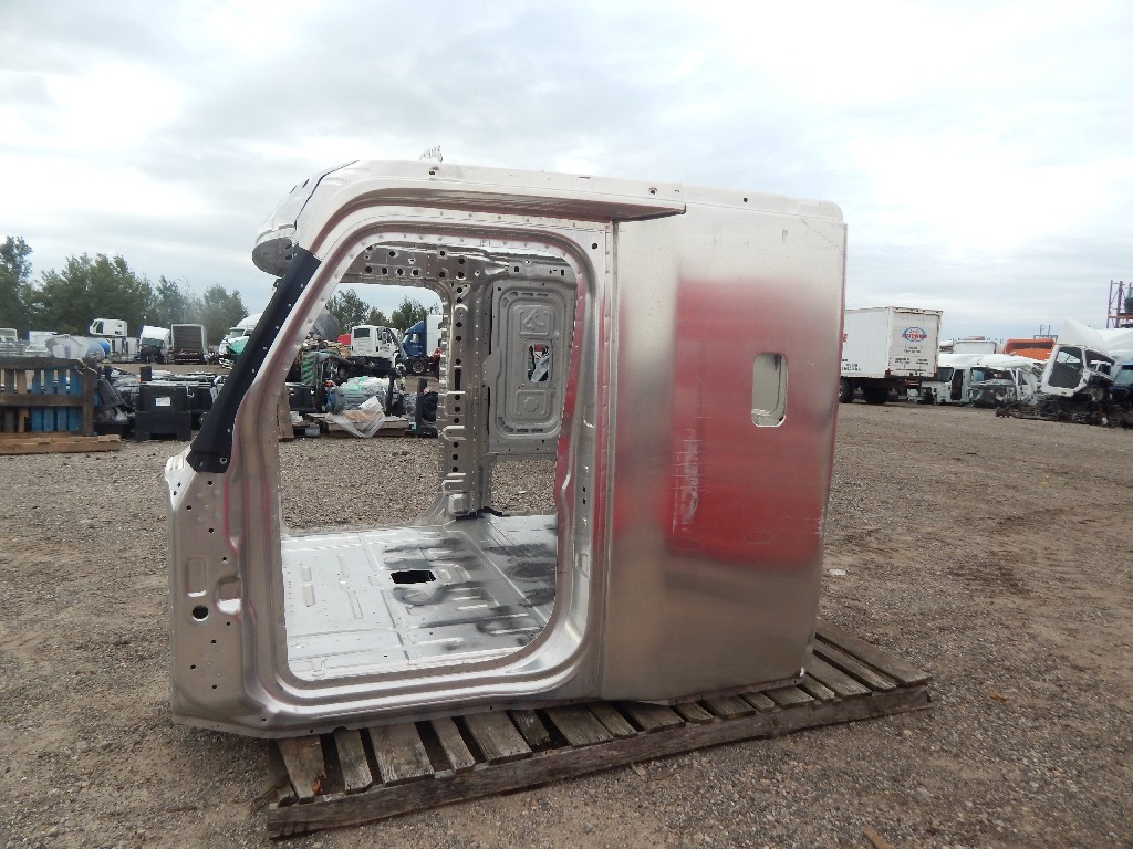 Used Cab for  FREIGHTLINER CASCADIA for sale-59336008