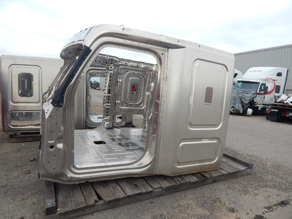Used Cab for  FREIGHTLINER CASCADIA for sale-59336010