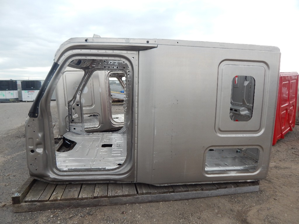 Used Cab for  FREIGHTLINER CASCADIA for sale-59336011
