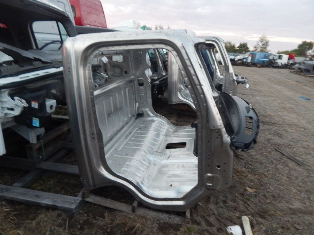 Used Cab for 2018 FREIGHTLINER for sale-59335959