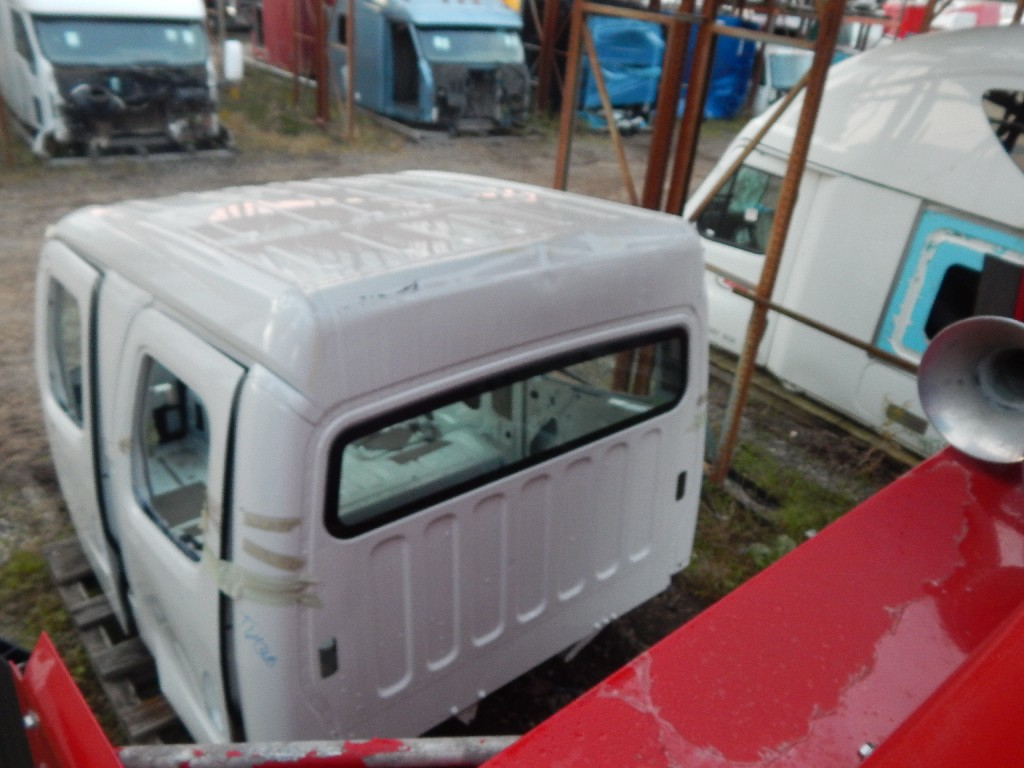 Used Cab for  FREIGHTLINER for sale-59335960