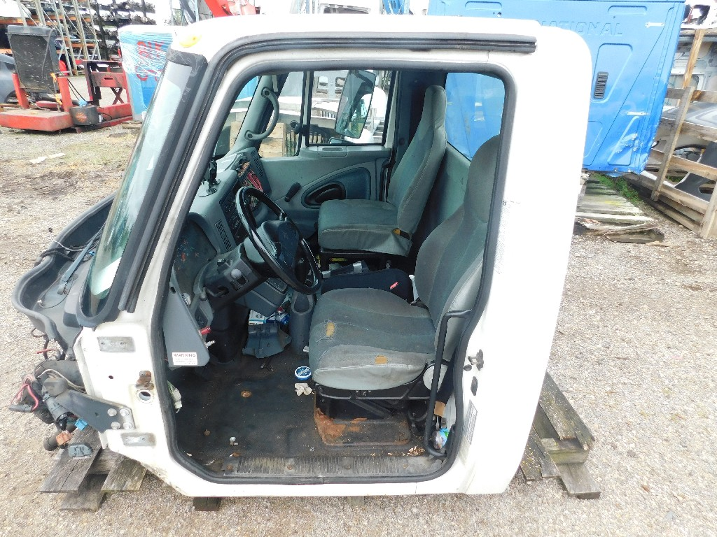 Used Cab for 2002 INTERNATIONAL 4300 for sale-59335904