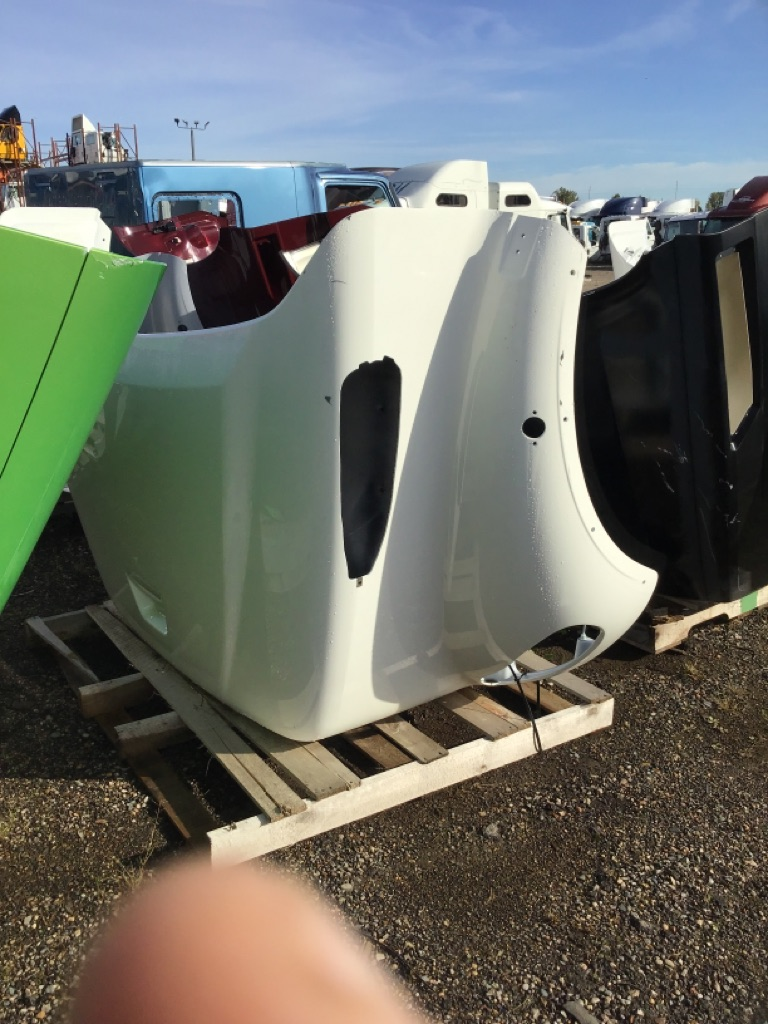 Used Hood for  FREIGHTLINER M2-112 for sale-59335951