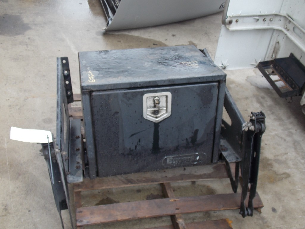 Tool Box for 2005 VOLVO VNL770 for sale-59285192