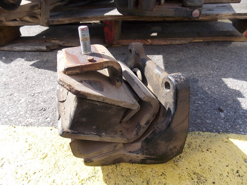 Engine Mounts for 2010 HINO FE for sale-59070533