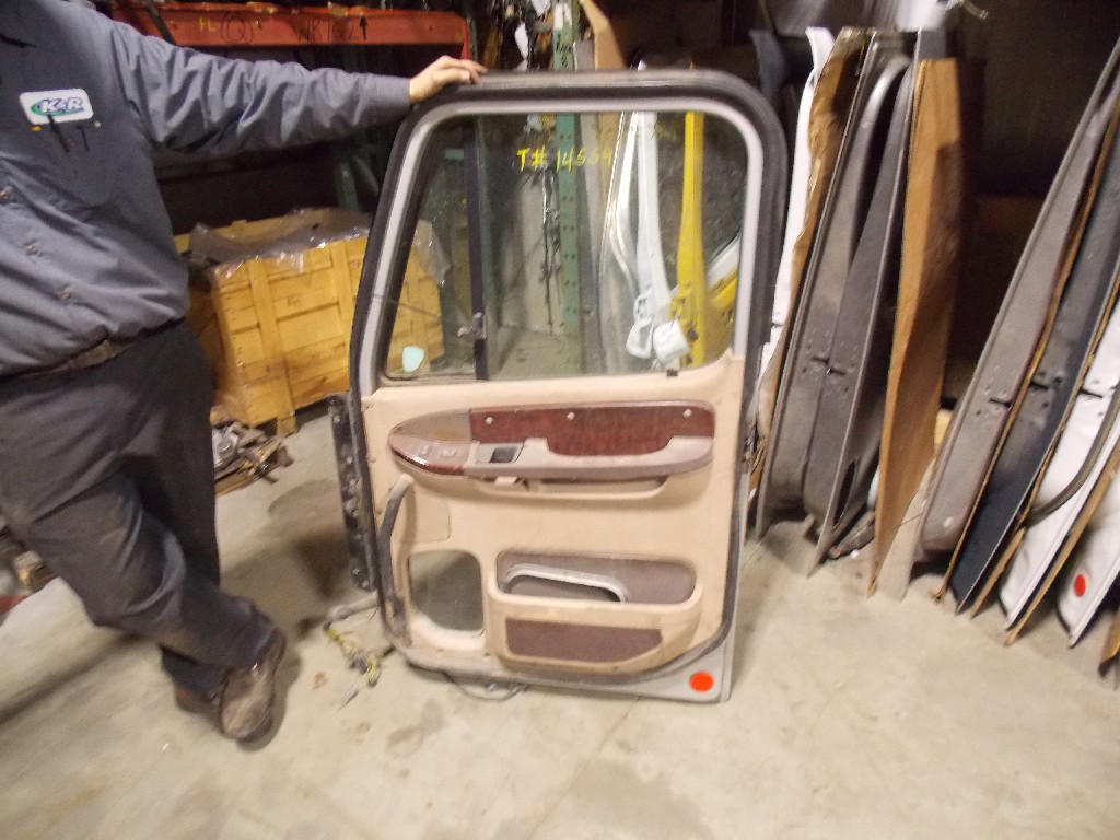 Door Assembly for 2004 FREIGHTLINER CORONADO for sale-59069715