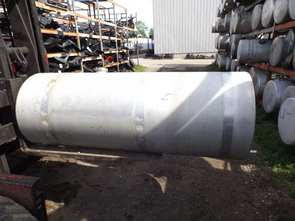 Used Fuel Tank for 2001 INTERNATIONAL 9400 for sale-59079576