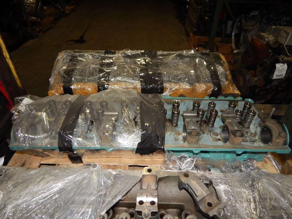 Cylinder head for 2004 FREIGHTLINER CST120 CENTURY for sale-59052617