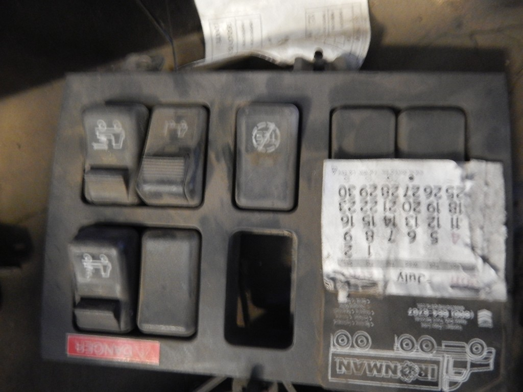 Dash Panel for 2006 VOLVO VNL770 for sale-59079775