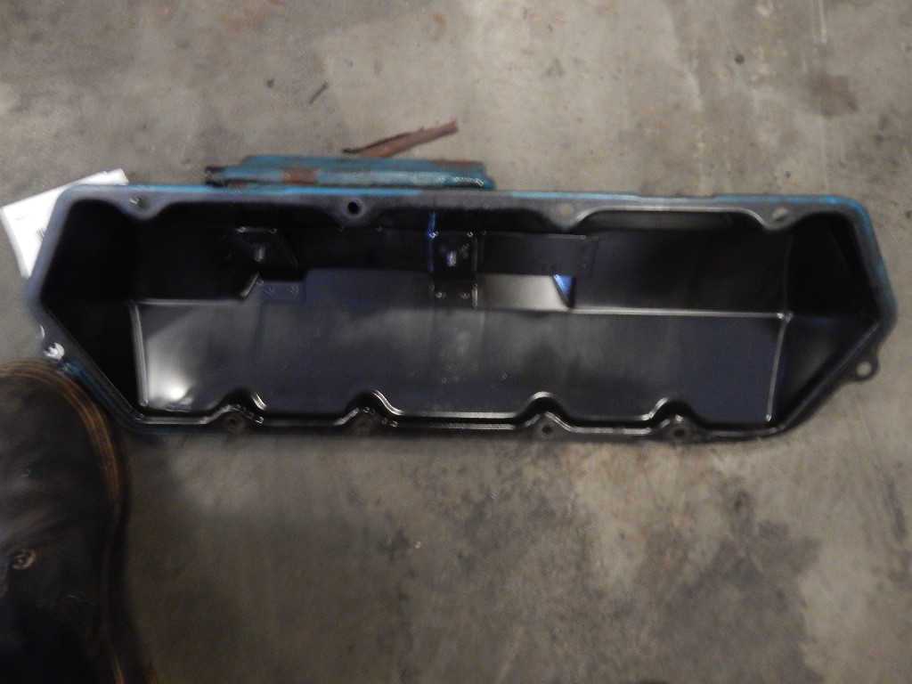 Engine Valve Cover for 2000 INTERNATIONAL 4700 for sale-58691761
