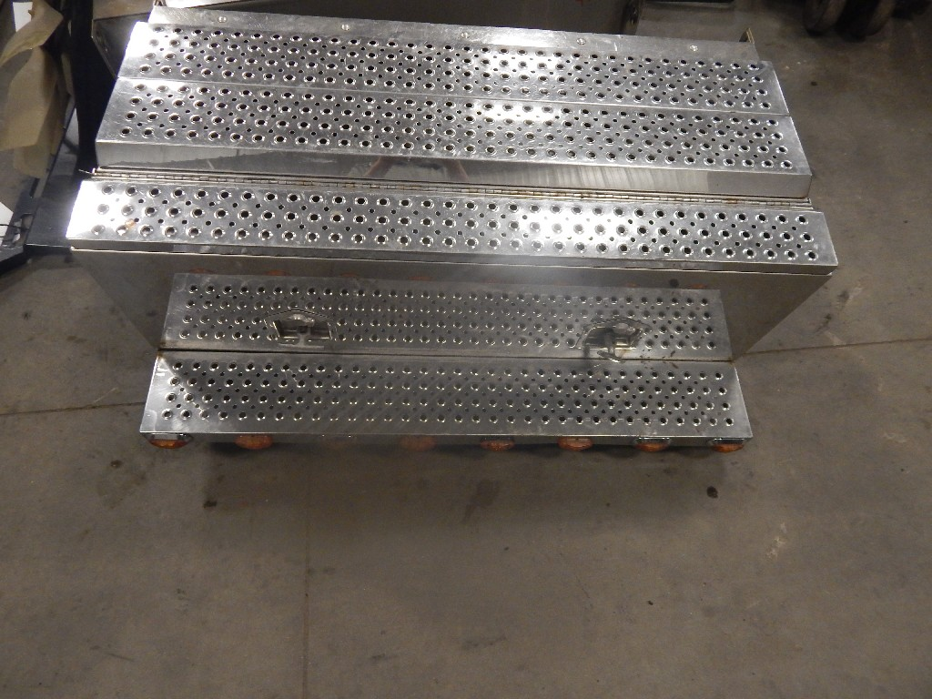 Tool Box for 2007 VOLVO VN for sale-59055225