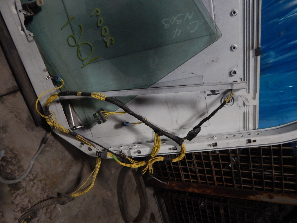 Door Assembly for  FREIGHTLINER COLUMBIA for sale-59080845