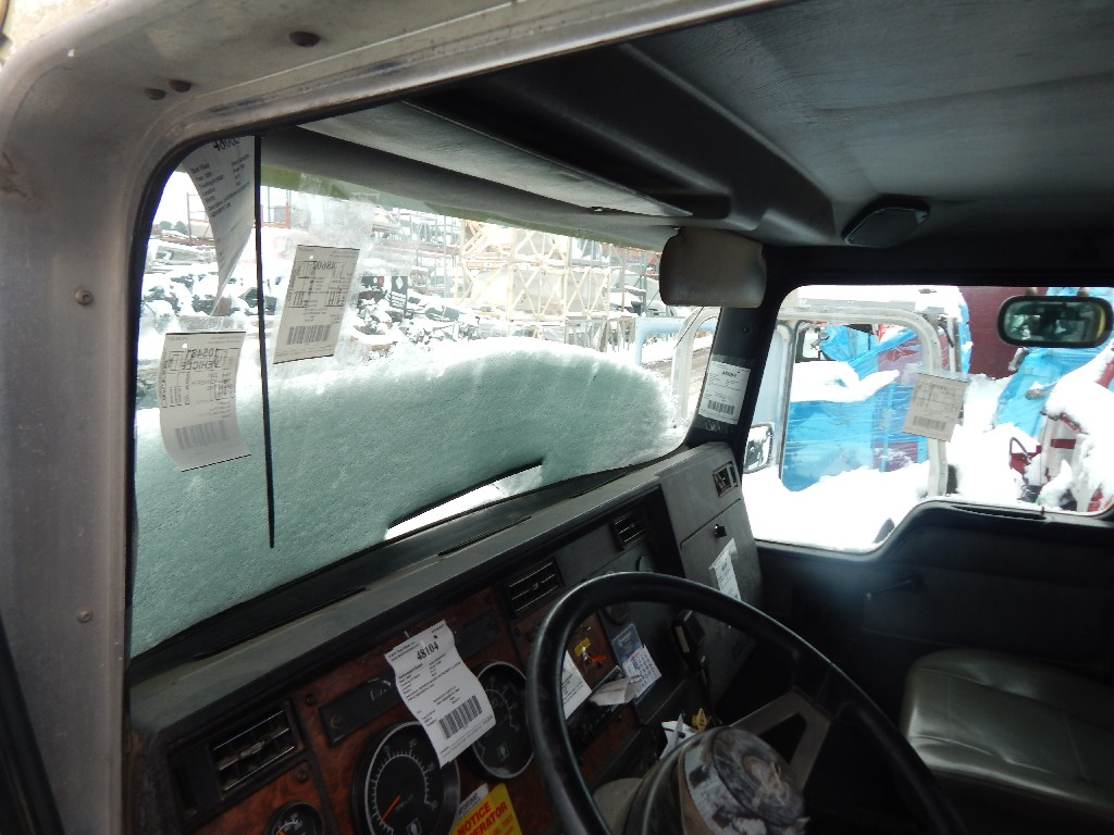 Day cab Cab for 2001 KENWORTH T300 for sale-59216785