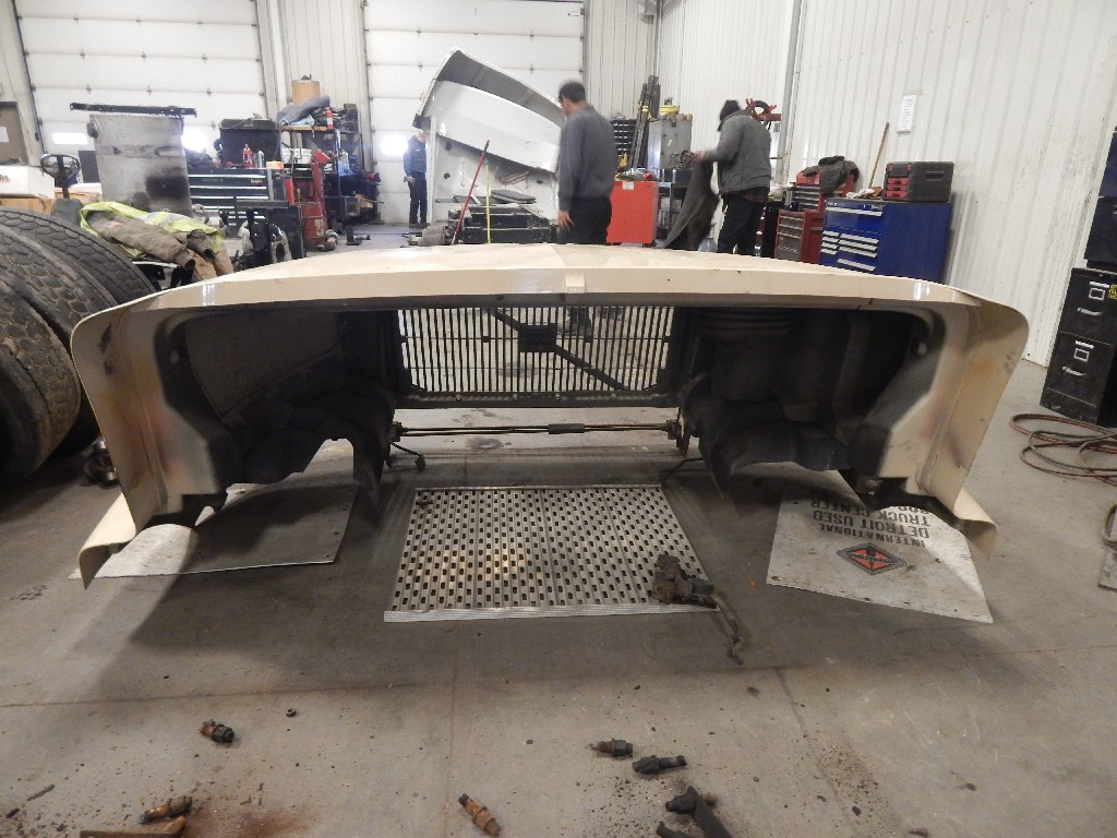 Hood for 1998 VOLVO VN for sale-59217023