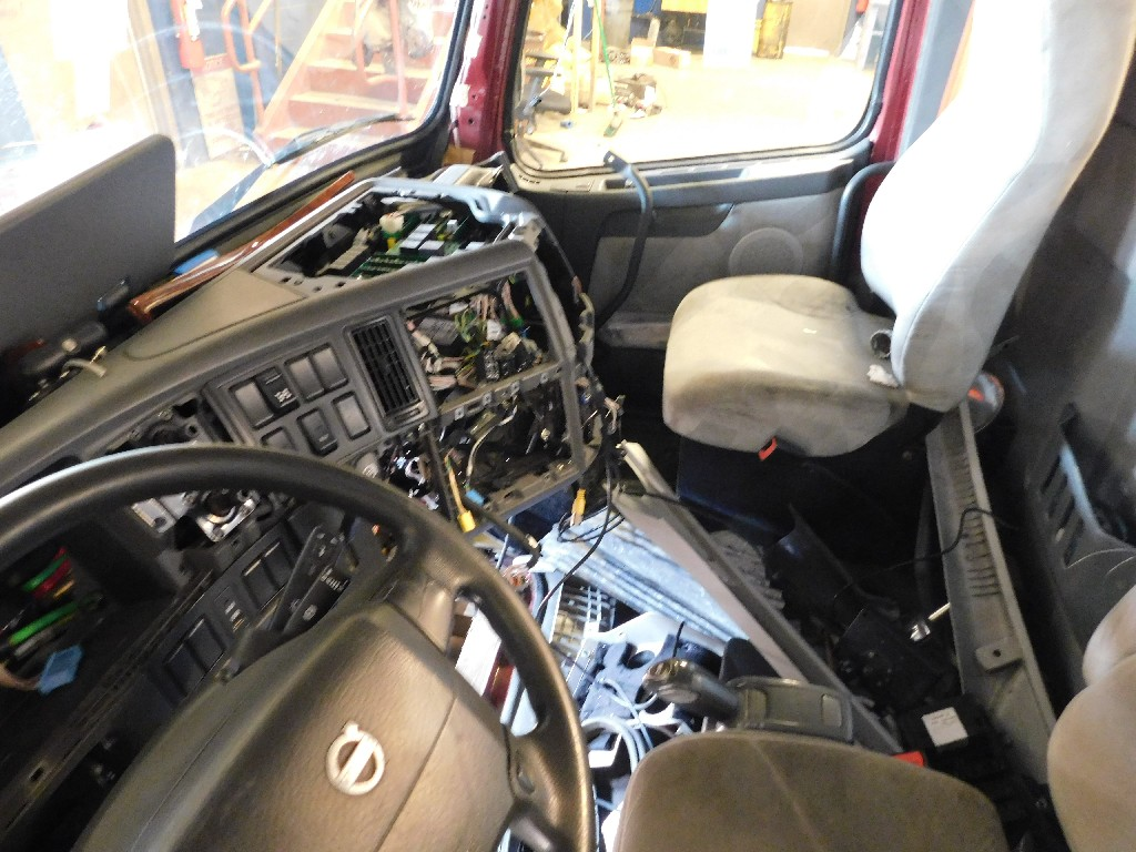 Cab for 2011 VOLVO VN for sale-59217141