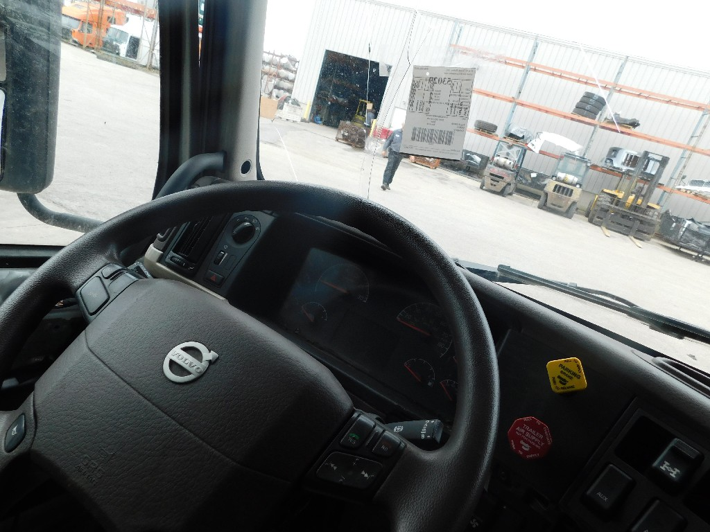 Cab for 2015 VOLVO VN for sale-59217319