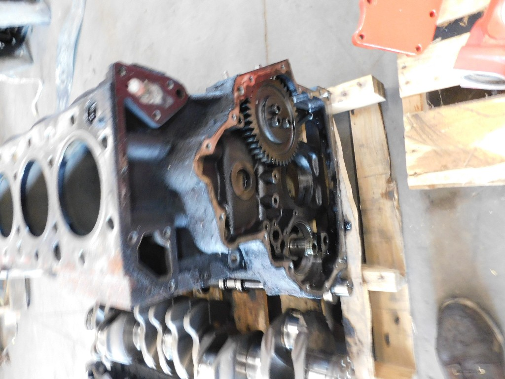 Takeout Engine Block for 2011 INTERNATIONAL 8600 for sale-59217336