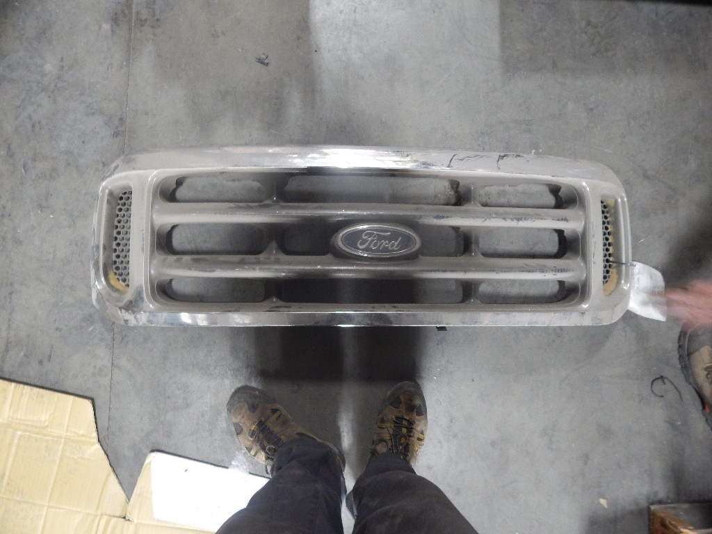 Grille for  Ford for sale-59069614