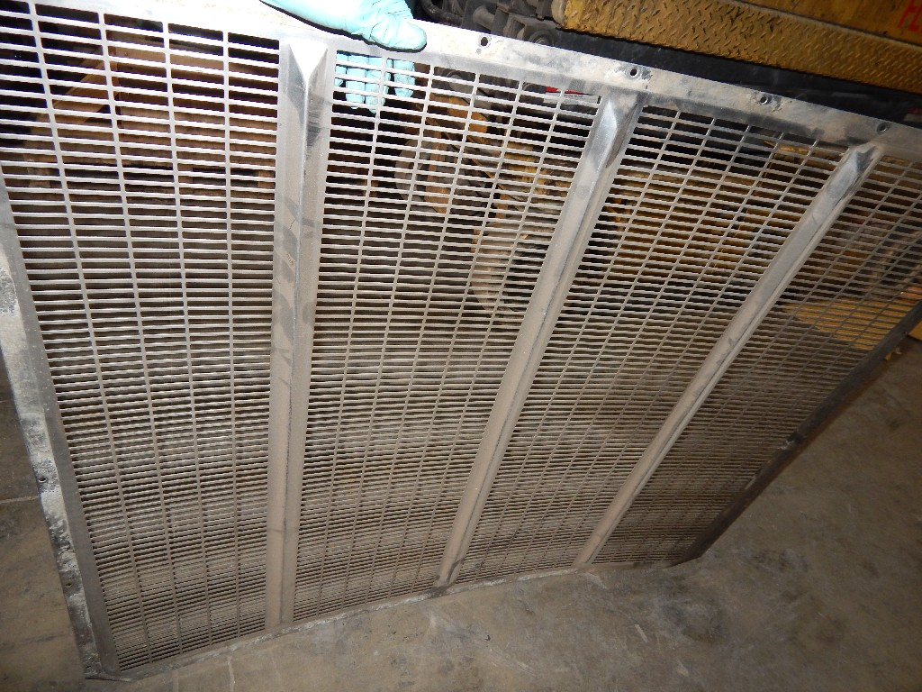 Grille for  PETERBILT 379 for sale-59285310