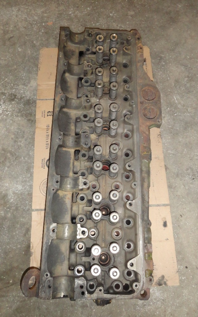 Cylinder head DETROIT for sale-983381