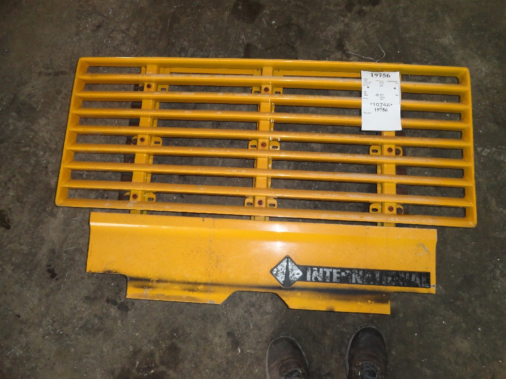 Grille INTERNATIONAL for sale-985281