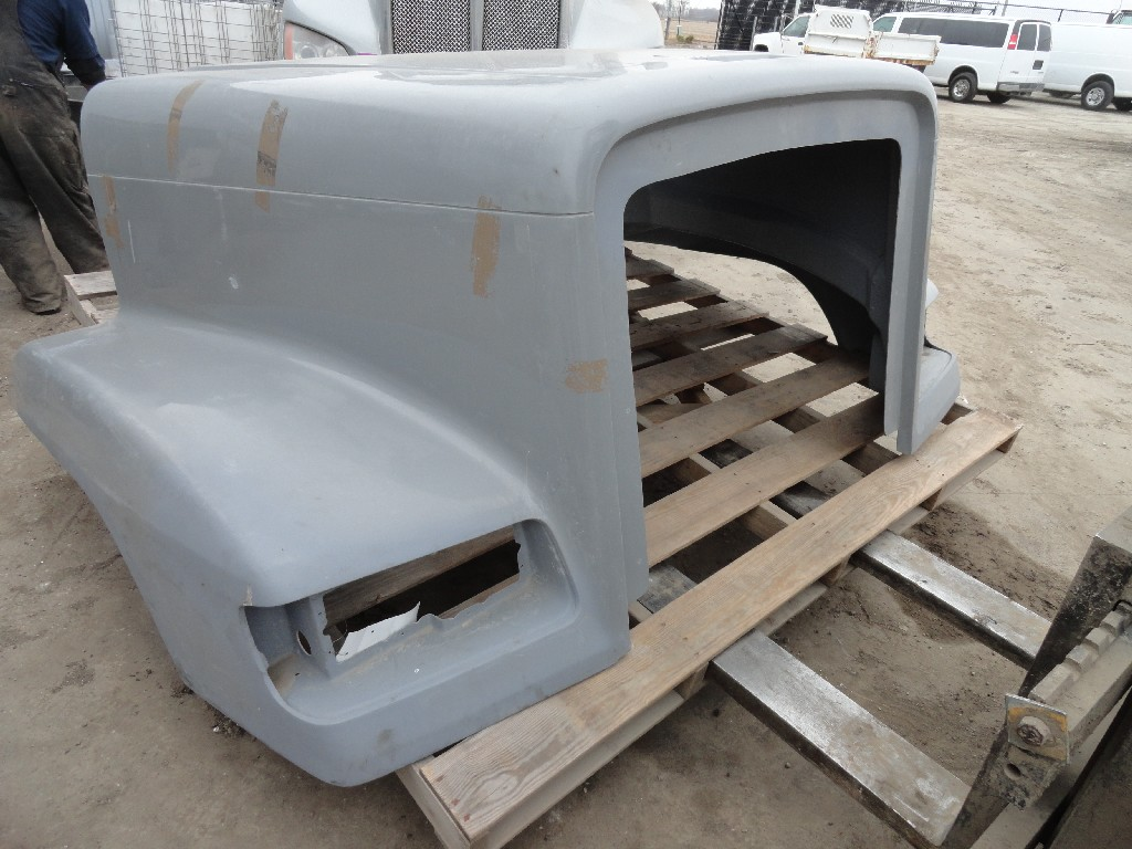 Hood FREIGHTLINER for sale-985751