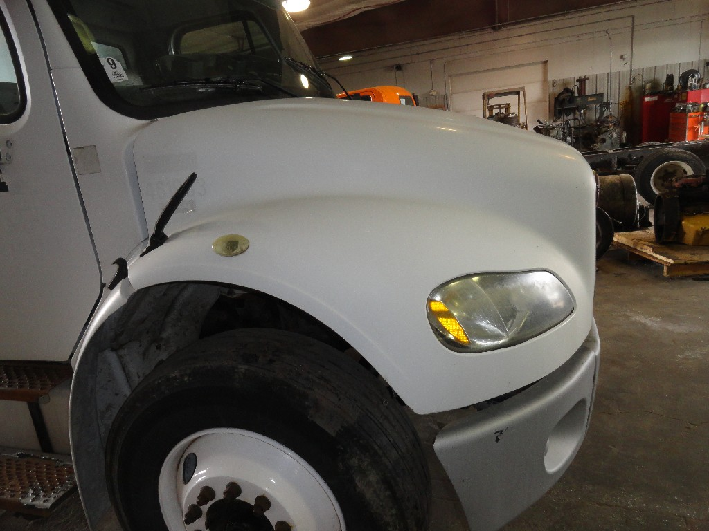 Hood FREIGHTLINER for sale-987611