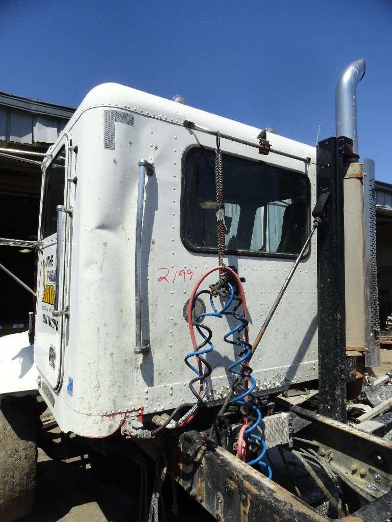 Cab FREIGHTLINER for sale-988021