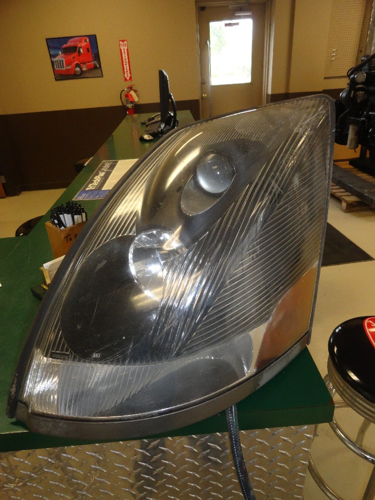 Headlamp Assembly VOLVO for sale-988361