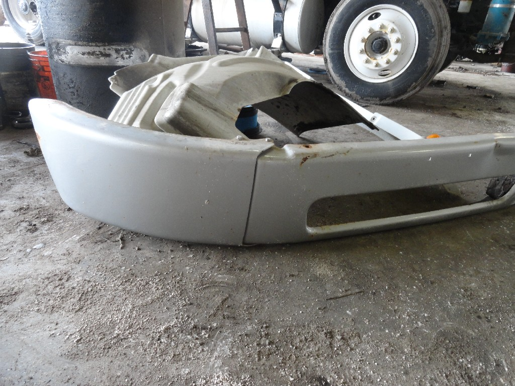Bumper Assembly FREIGHTLINER for sale-988651