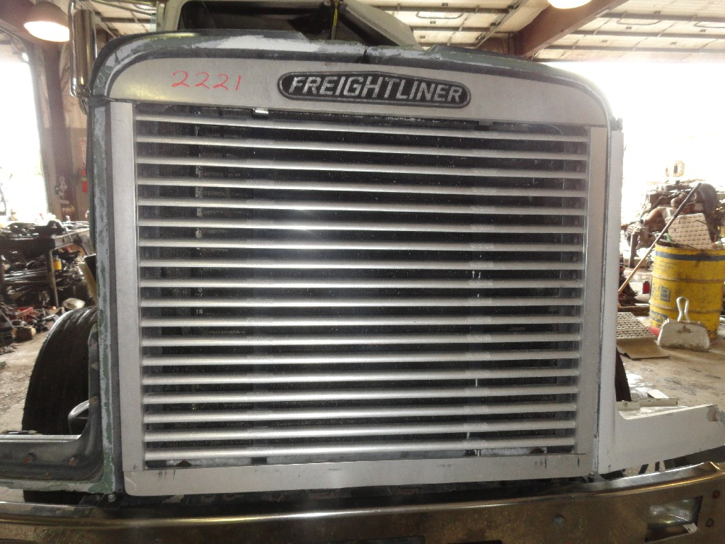 Grille FREIGHTLINER for sale-989671