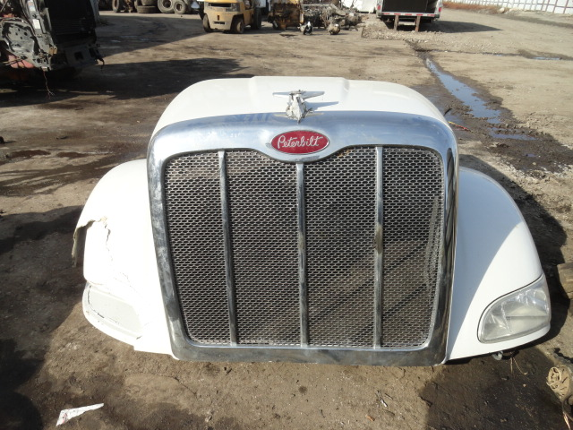Grille PETERBILT for sale-992161