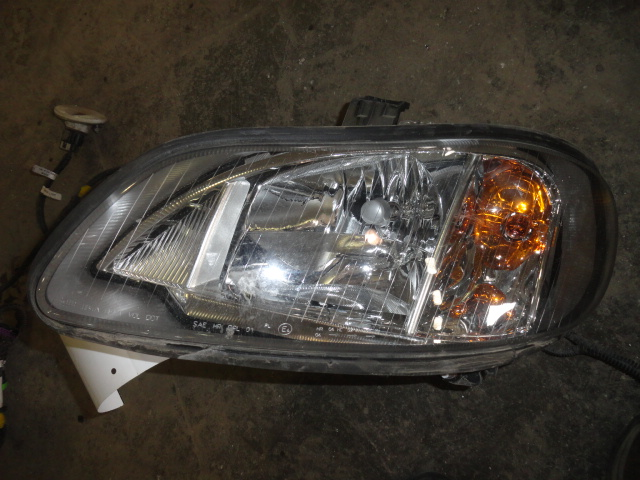 Headlamp Assembly FREIGHTLINER for sale-993021