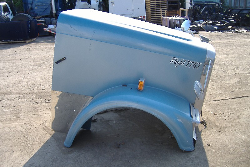 Hood FREIGHTLINER for sale-975241