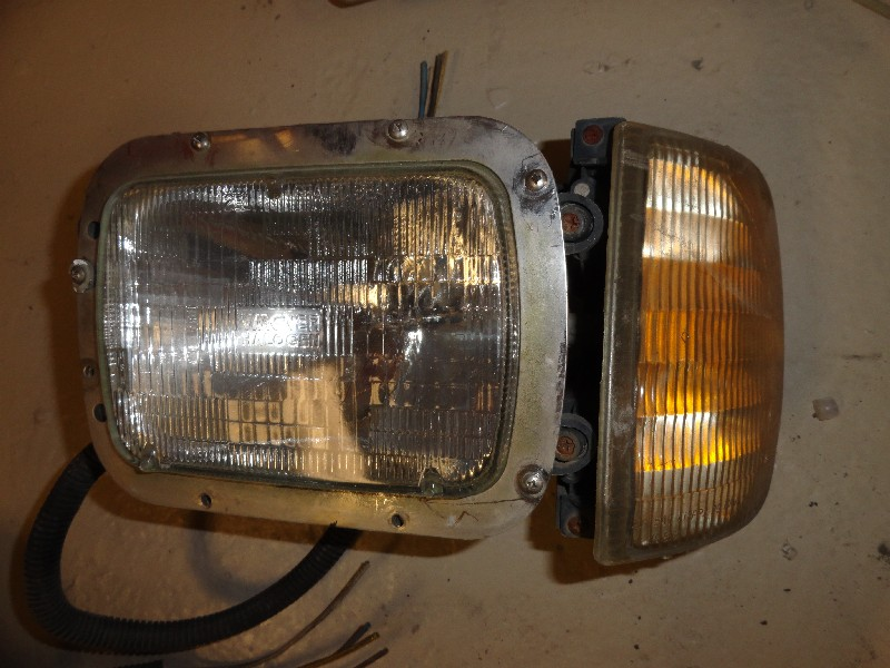 Headlamp Assembly INTERNATIONAL for sale-975251
