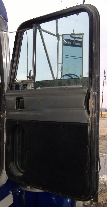 Door Assembly PETERBILT for sale-976101