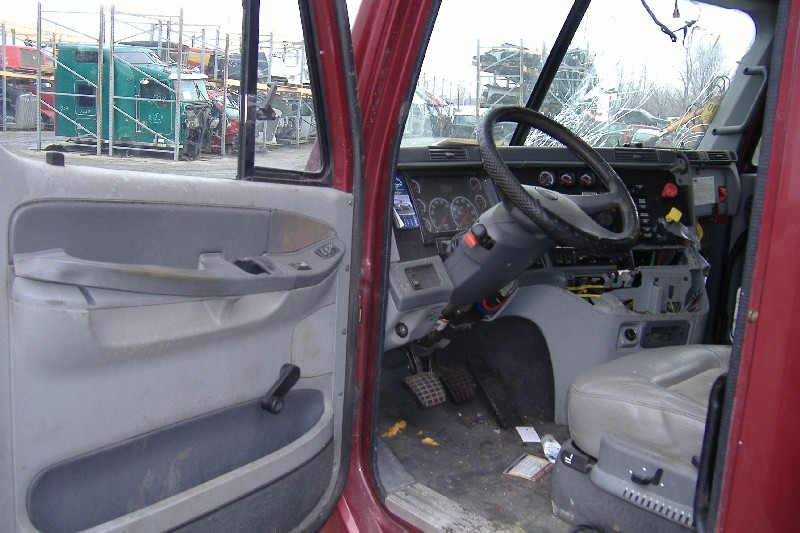 Cab FREIGHTLINER for sale-976131