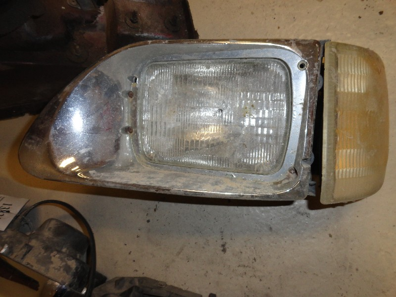 Headlamp Assembly INTERNATIONAL for sale-976351