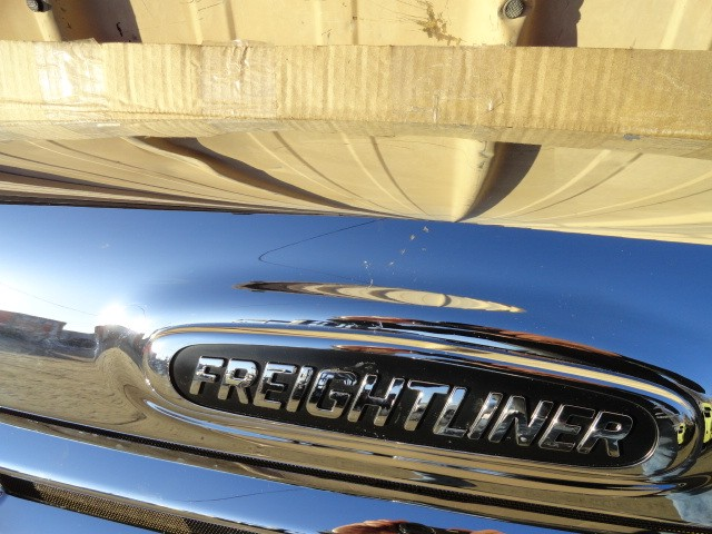 Grille FREIGHTLINER for sale-976471