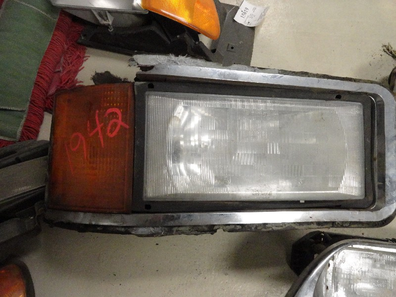 Headlamp Assembly MACK for sale-977791