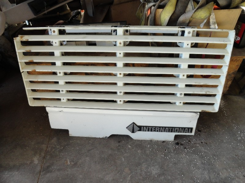 Grille INTERNATIONAL for sale-980831